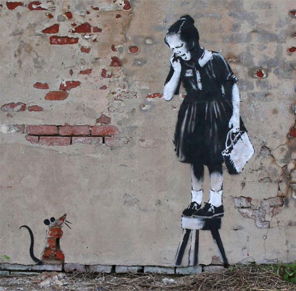 http://lh6.ggpht.com/_9F9_RUESS2E/SsTHK2I2vLI/AAAAAAAABPk/38YGFNf_sA4/s800/banksy-graffiti-street-art-ratgirlzzz1.jpg