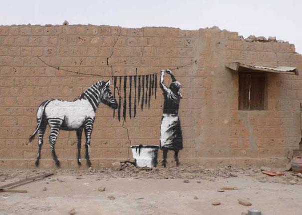 http://lh6.ggpht.com/_9F9_RUESS2E/SsTKzk-zB5I/AAAAAAAABP8/uMGPR4KAtAU/s800/banksy-graffiti-street-art-washing.jpg