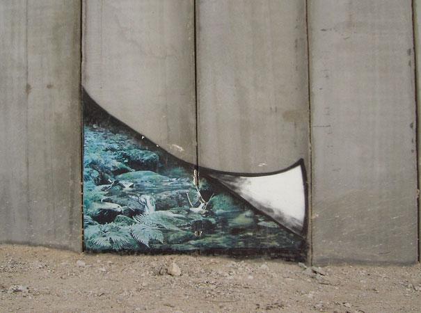 http://lh6.ggpht.com/_9F9_RUESS2E/SsU64CFYltI/AAAAAAAABRs/LrHdatNEN-w/s800/banksy-graffiti-street-art-palestine-wall-gap.jpg