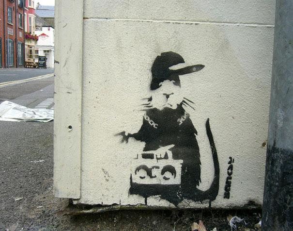 http://lh6.ggpht.com/_9F9_RUESS2E/SsXhrAosjQI/AAAAAAAABSM/-VgaBsQ9uCM/s800/banksy-graffiti-street-art-rudeboy-rat.jpg