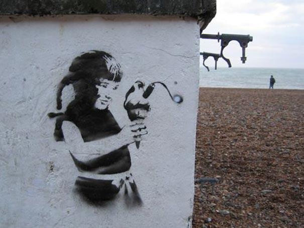 http://lh6.ggpht.com/_9F9_RUESS2E/SsYgxhOpziI/AAAAAAAABTI/vcZqEDTrjAQ/s800/banksy-graffiti-street-art-Ice-Cream-Bomb.jpg