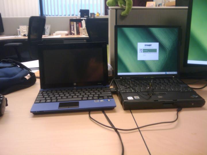 HP Mini 470 next to my Lenovo X60