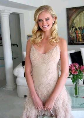 Glamorous Sara Paxton