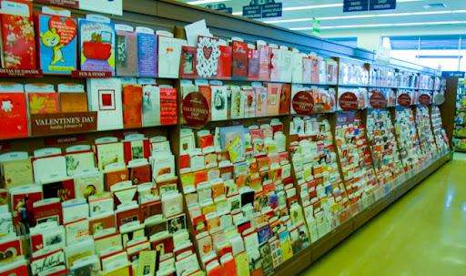 Pasillo de Walgreens ya decorado de San Valentin