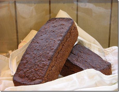 12 monica bröd
