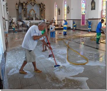 limpeza_igreja0