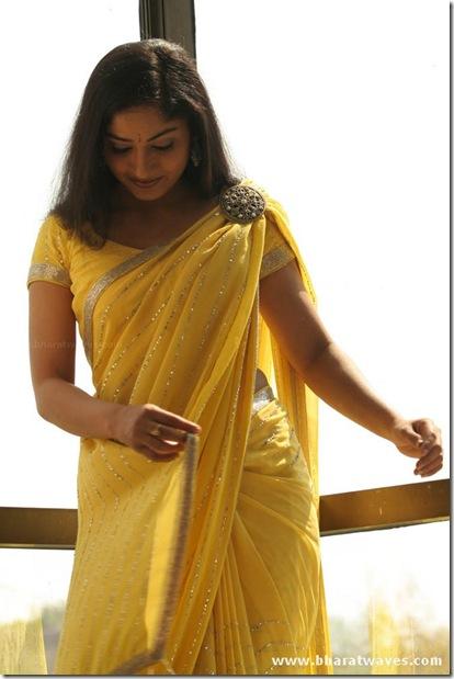 Madhavi Latha (30)
