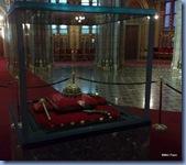 Interior do Parlamento - Coroa, cetro e orbe de Santo Estevão, o primeiro rei cristão da Hungria (1001-1038)