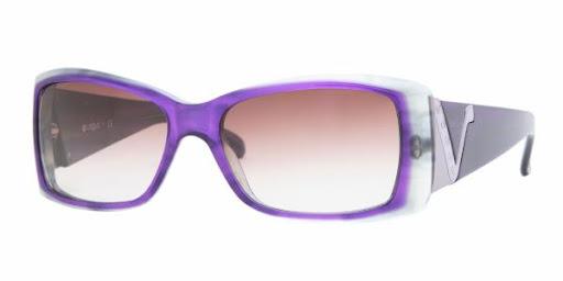 Lindíssimo modelo de óculos na foto de óculos solar da Vogue VO2560S/16438H