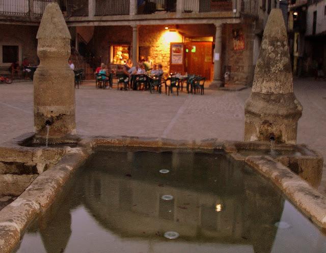 Fuente de San Martín del Castañar.
