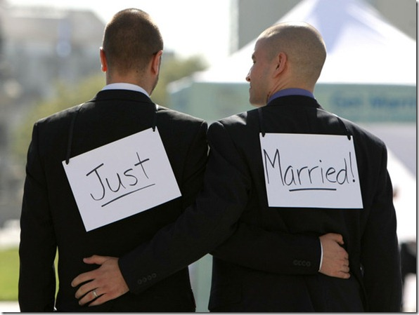 Gay Marriages Begin California CBea0_rJdq7l
