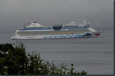 cruise ship BH
