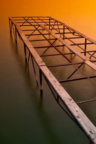 Bathing Platform Photo iPhone Desktop Wallpaper
