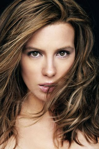 Kate Beckinsale Close up Image iPhone Wallpaper