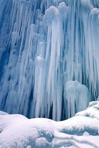 iPhone Background Frozen Winter in British Columbia