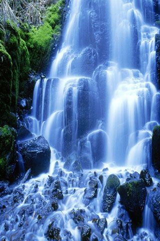 Beautiful Waterfall Picture Graphic iPhone Wallpaper