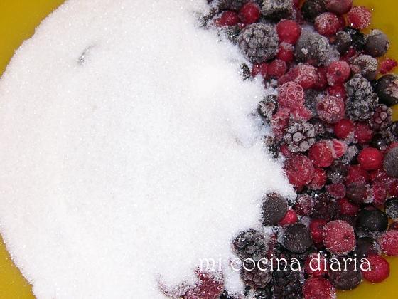 Helado de frutos del bosque (Ягодное мороженое)