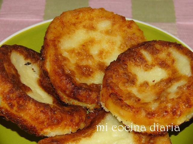 Tortitas de tvorog Syrniki (Сырники)