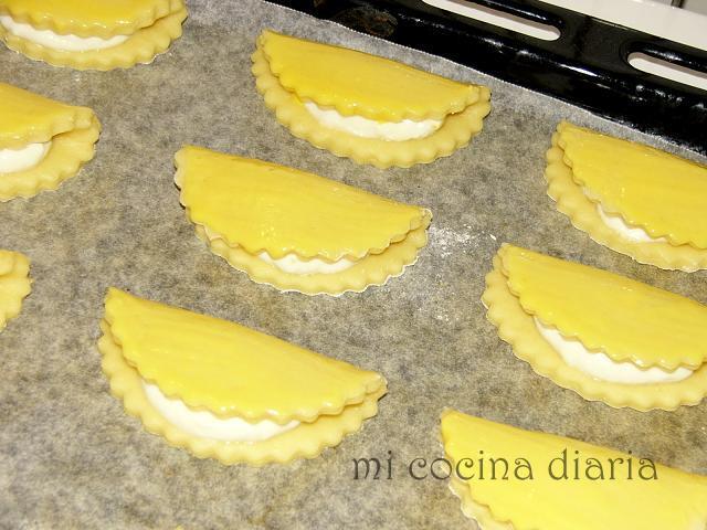 Pasteles con requesón – Sochniki (Сочники)