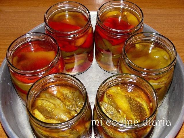 Pimientos asados en conserva (Запеченый консервированный перец)