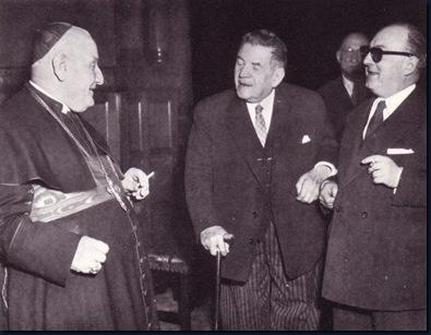 João XXIII fumando