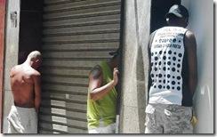 urinando-nas-ruas2