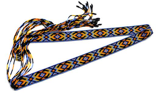 Продается Материалы: чешский бисер, капроновая нить Длина тканой части - 82 см, длина завязок по 40 см. Ширина - 3см.