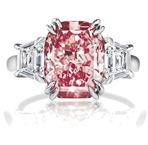 Jenifer Lopez's engagement ring - http://www.stylehive.com