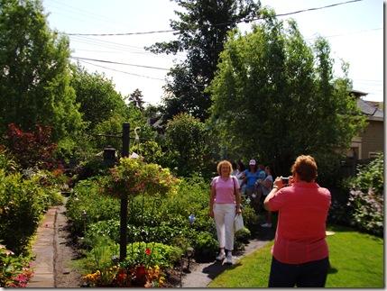 garden walk 079