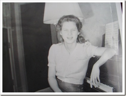 snapshots of mom 3.11 019