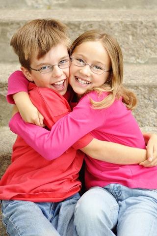 nathan and avery hugs
