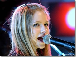 avril-lavigne-1024x768-5127 LinkinSoldiers