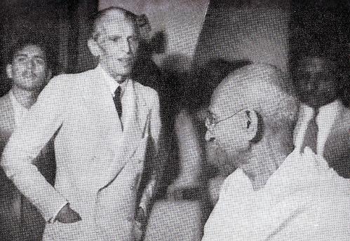 [Jinnah sees off Gandhi at his Bombay home[3].png]
