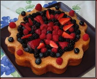 pastel-de-vainilla-con-frutas