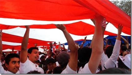 bajo la bandera