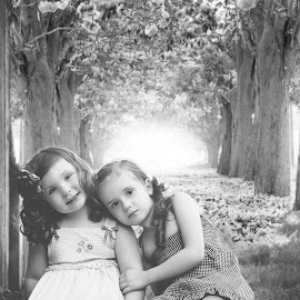 Best Friends til the end! by Jenny Hammer - Babies & Children Child Portraits ( girls, best friends, black and white, children, cute )