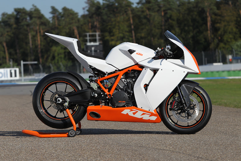 2011 ktm models unveiled at intermot
