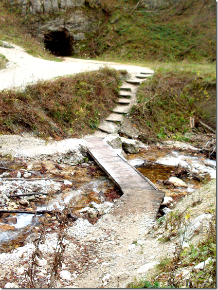 Il piccolo ponte verso la gola dell'Infernaccio