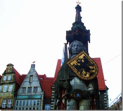 La statua di Roland a Brema