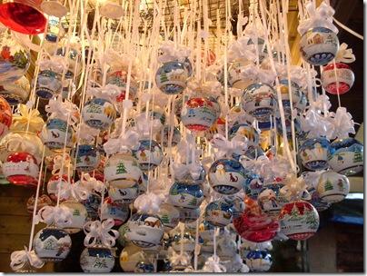 addobbi al mercatino di Natale di Trento