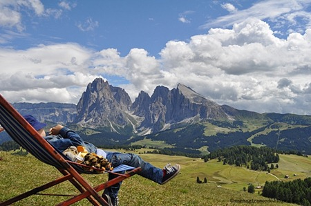 riposo dopo il trekking e il pranzo al rifugioDSC_0426