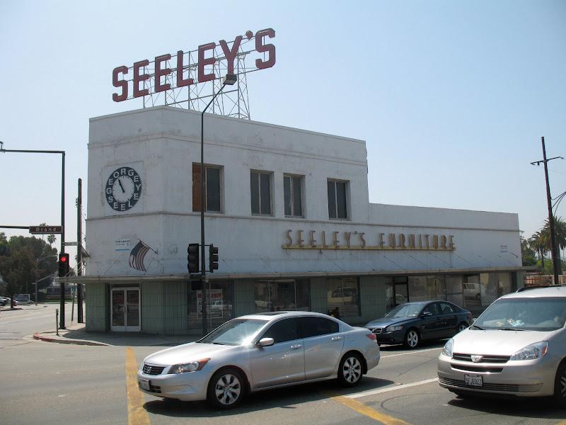 Glendale Blvd: Seeleyu0027s Furniture