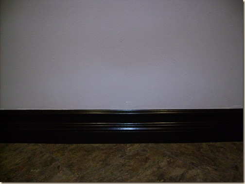 finised baseboards 004