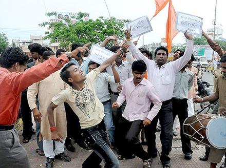 New-Low-In-Hindu-Politics