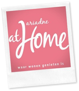 logo_ariadne_roze