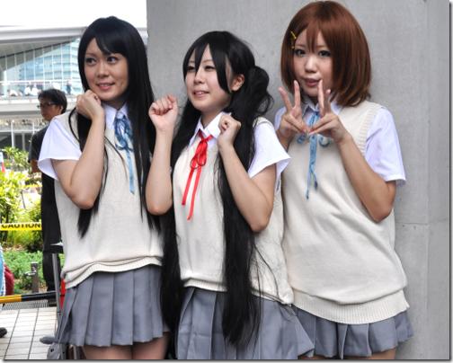 k-on! cosplay - akiyama mio, nakano azusa, and hirasawa yui from comiket 2010