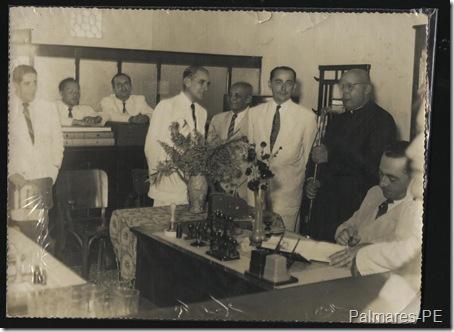 Monsenhor Abílio Américo Galvão ao microfone
