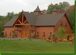 gorgeouss-barn-decked-for-autumnsmall