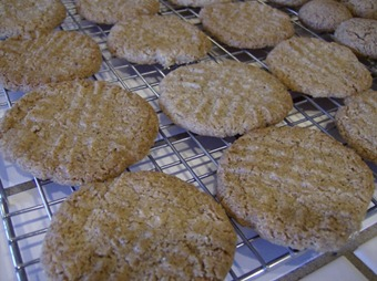 3 Ingredient Almond Butter Cookies (640x477)
