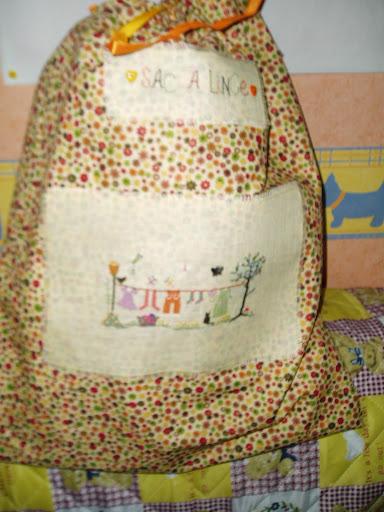 sac à linge n° 2 dans broderie et couture